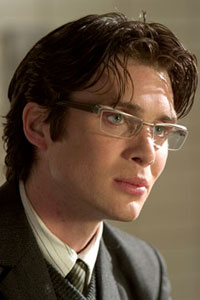 Date of Birth: May 25, 1976 Born in Ireland, Cillian Murphy began his career in the theater. He first made his mark in the award-winning stage version of Disco Pigs, a role that he would later recreate for the film version. His debut on film was in a short called Quando in 1997, and the […]