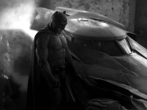 Yesterday on Twitter Zack Snyder teased us all with a picture of the Batmobile with a tarp covering it. Today, Snyder not only showed off the new Batmobile but he also gave us a first look at Ben Affleck in the cape and cowl. The suit seems to be reminiscent of the Dark Knight Returns […]
